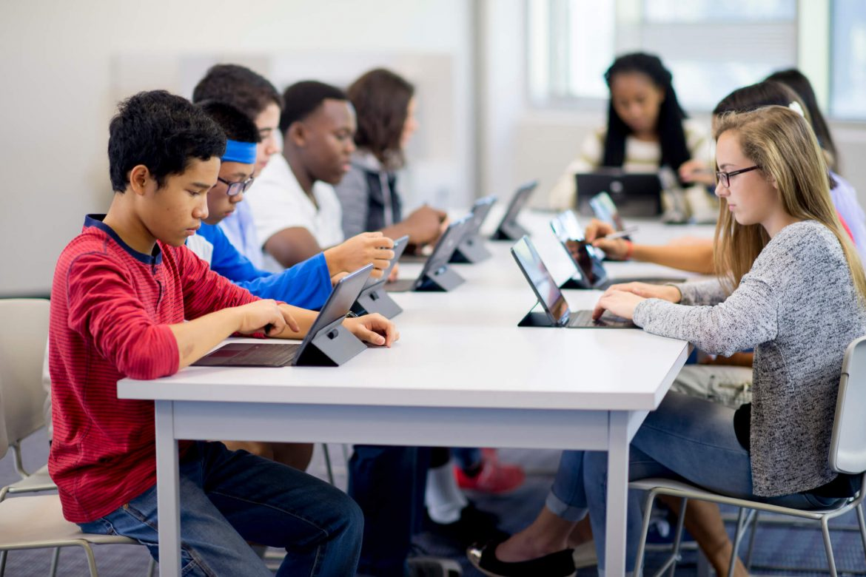 TI nas escolas: confira aqui os desafios e soluções!